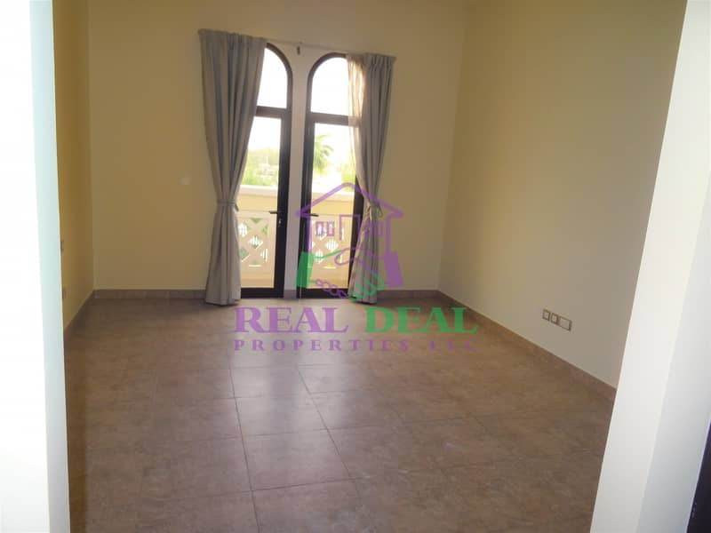 2 155k villa for rent white goods are included and the curtains are fitted
