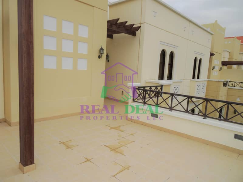 11 155k villa for rent white goods are included and the curtains are fitted