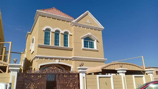 Villa for rent in Ajman, Al Rawda, two floors, first inhabitant, super lux, electrified in the name of a citizen, 80 thousand dirhams