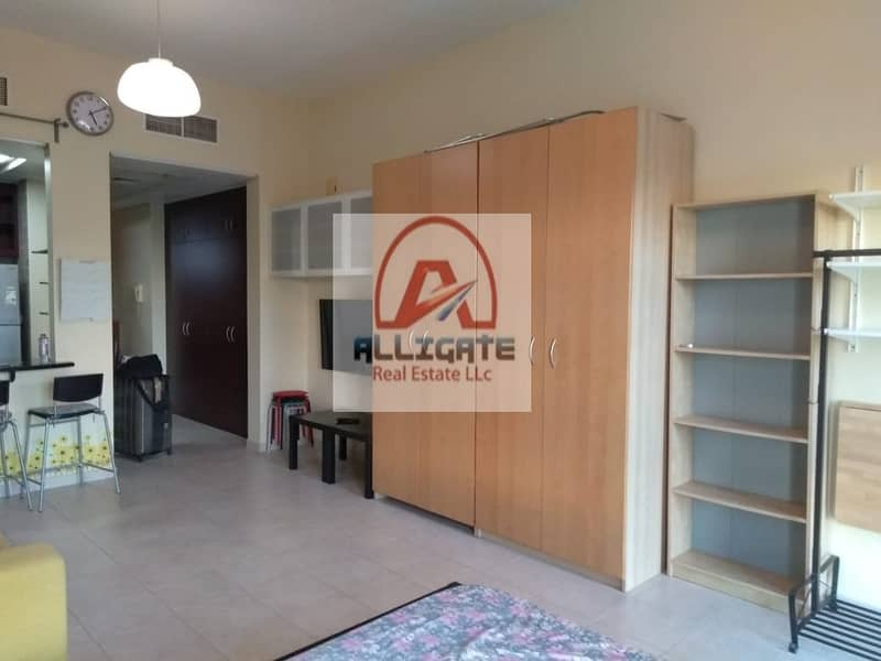 2 18 Tiles fully furnished studio in street 4.