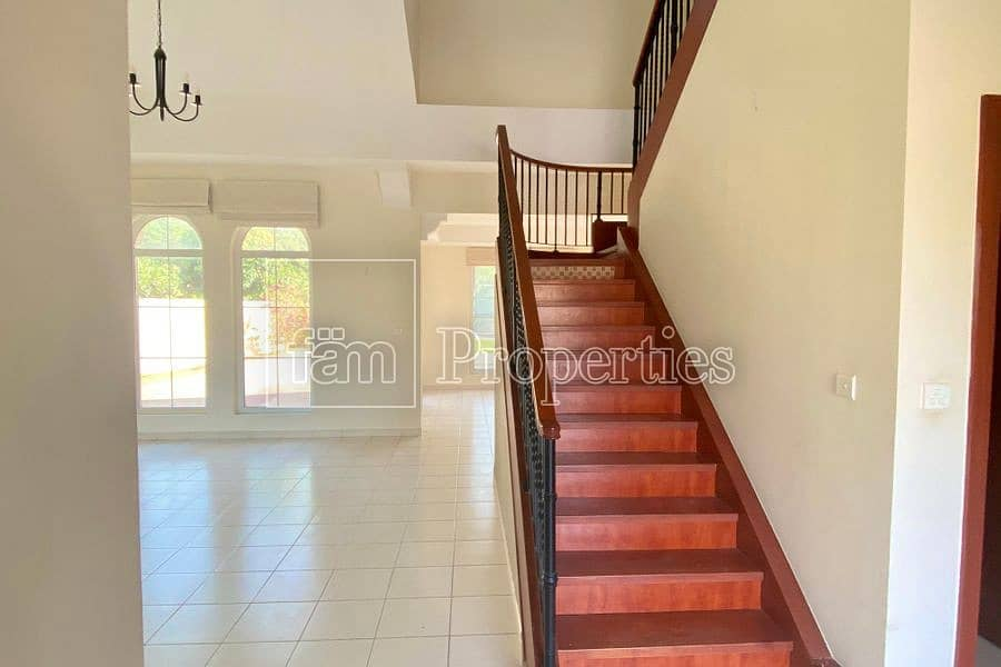 2 | Well Maintained | 4 Bed Villa with Pool |