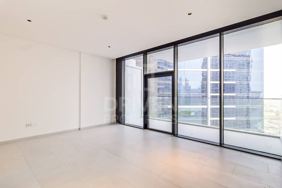 Large and Modern Design Apt | Canal View