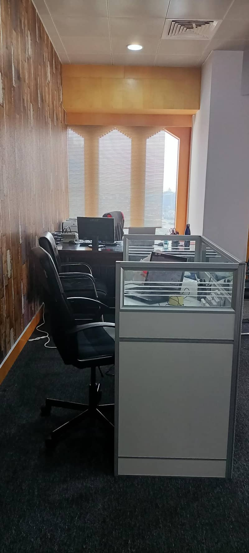 16 Furnished Office | Ideally Located |Top Floor | Chiller Dewa Wifi Free