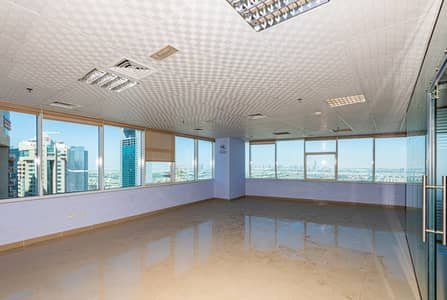 Office for Rent in Jumeirah Lake Towers (JLT), Dubai - Fully Fitted w. Partitions | Jumeirah View | Corner Unit