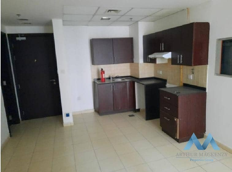 2 Bright & Spacious | With Balcony | Well Maintained