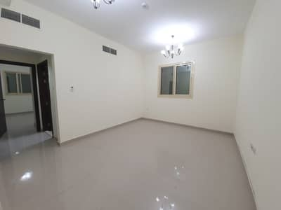 1 Bedroom Flat for Rent in Bu Daniq, Sharjah - BRAND NEW BUILDING !! 1 MONTH FREE !! HUGE 1 BEDROOM HALL ONLY 23K IN 6 CHQS