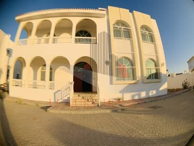 5 Bedroom Villa for Rent in Al Hili, Al Ain - Splendid Compound with huge shared yard