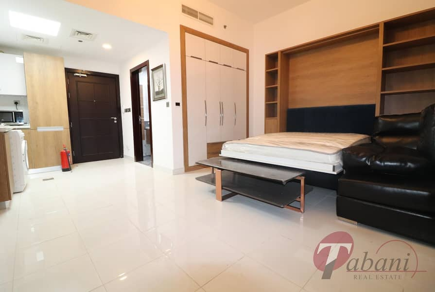 Amazing lay | Close to new metro station| Chiller free