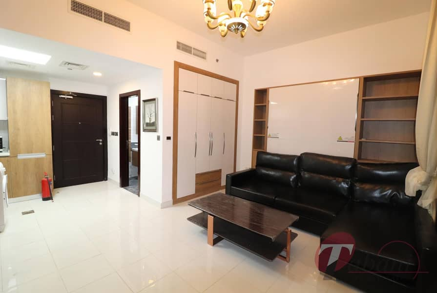 2 Chiller Free| high floor | Close to metro station
