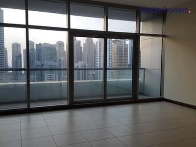 استوديو  للايجار في أبراج بحيرات الجميرا، دبي - High Floor | Balcony | Sheikh Zayed & Marina view