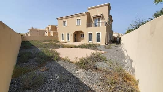4 Bedroom Villa for Sale in Umm Al Quwain Marina, Umm Al Quwain - Amazing 4BR Maid's Big Plot | Near to Park and Pool | Close Proximity to Beach