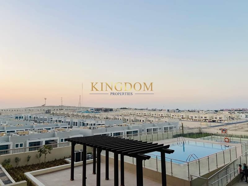 Pool View  1BR  2 Balcony   Near Metro   Azizi Samia