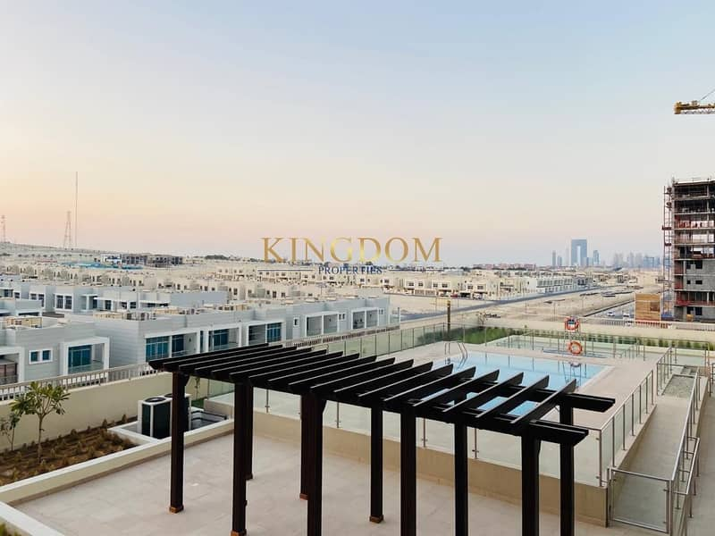 2 Pool View  1BR  2 Balcony   Near Metro   Azizi Samia