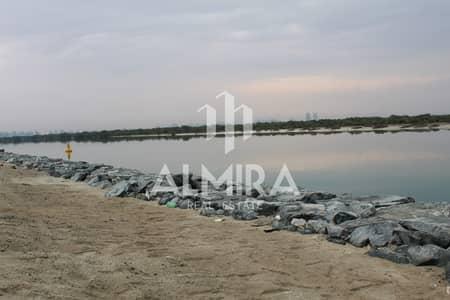ارض سكنية  للبيع في جزيرة ياس، أبوظبي - Beachfront Plot | 0 Service Charge l 0 Commission