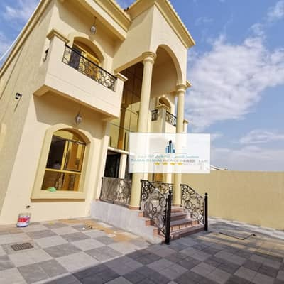 5 Bedroom Villa for Sale in Al Mowaihat, Ajman - An elegant villa with luxurious finishing for sale at an attractive price against the academy