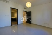 Best Deal 4 BR Single Row in Amazing Location - Thumbnail-img2