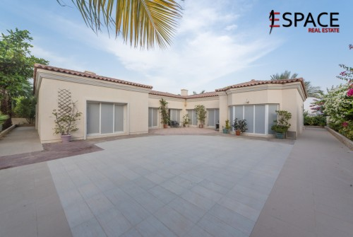 Great Location Close To Park and Pool