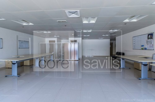 On low floor, fitted office in HDS Tower, JLT