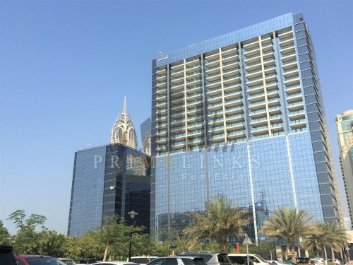 Office near metro station for sale in Onyx