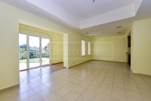Palmera 4| Opposite Park and Pool| Exclusive