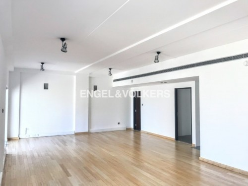 Serviced Fitted Office Pantry & Bathroom