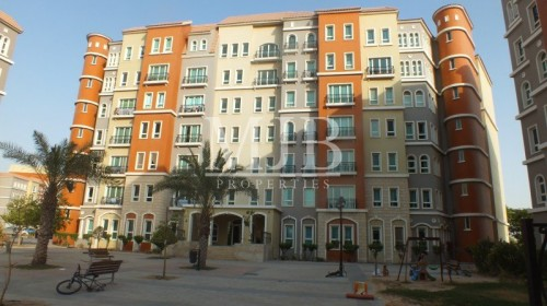 1 bed|Mediterranean in Just AED 730000|For Sale Now