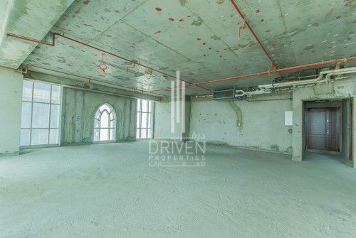 Perfect Commercial Location   Low Priced