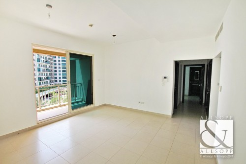 2 Bedroom - Canal Views - Vacant On Transfer