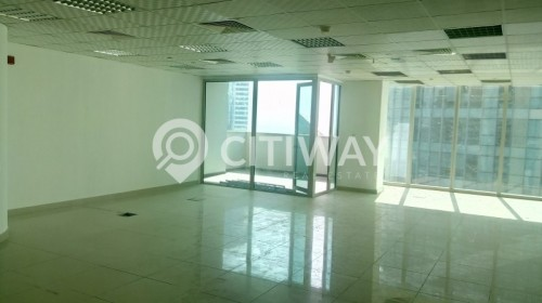 Fitted office on high floor with balcony and community view