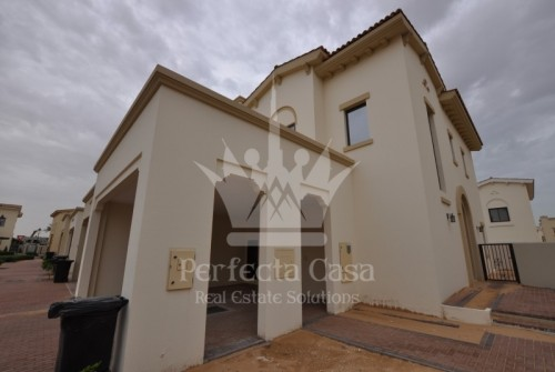 Mediterranean style of 3 and 4 Bedroom Townhouse