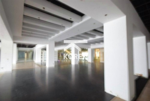 Prime Ground Floor retail unit in mixed use Mall