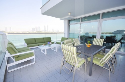 Stunning Luxury Two Bed Apt+ Maids Room -  Full Sea & Burj Al Arab View with Huge Private Lighted Terrace Bar