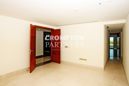 Beautiful Three Bed Apartment in Khalifa Park