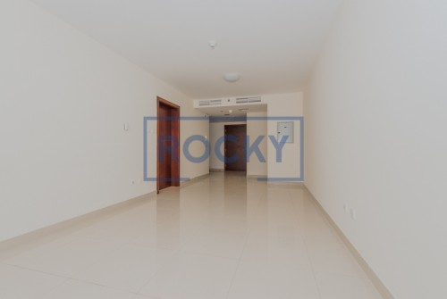 Vacant 1 Bed Apartment With Closed Kitchen