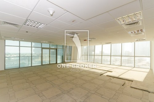 Vacant with Full Lake View Fitted Office