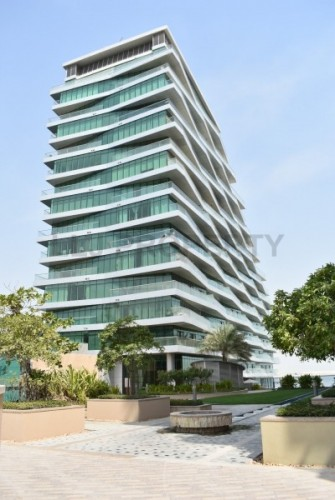 Fabulous 3 Bedroom Apartment With Water Views - Must See